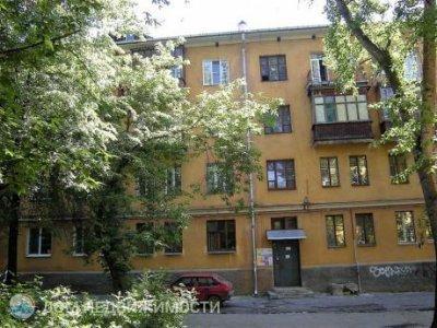 3-комнатная квартира, 72 м2, 1/3 эт.